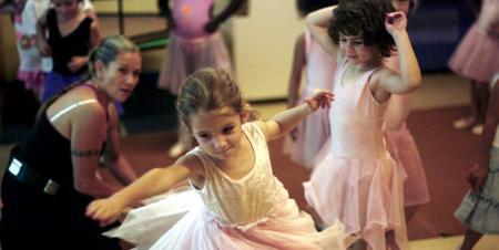 Copiii vor dansa la Casa de Cultura a Studentilor