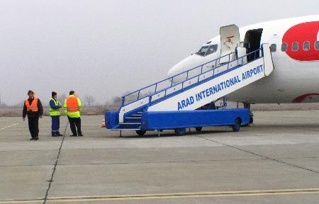 Companiile aviatice fac şcoală de pilotaj pe Aeroportul Arad
