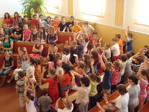 Peste 130 de copii au participat zilnic la activităţile din tabără