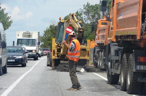 Nevoia de bani pentru reparaţii la drumuri duce la creşterea taxelor