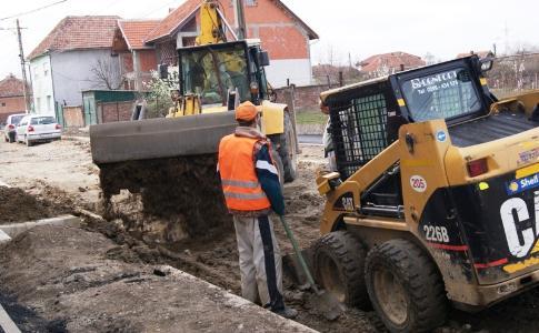 Lucrările la reţeaua de apă în municipiu, mai scumpe