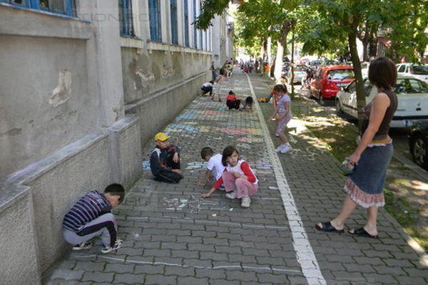 Liceenii de la Arte Plastice asteapta sa afle locatia unde vor studia