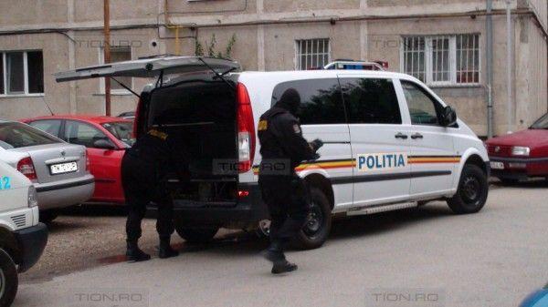 Politistii au anihilat o retea de hoti care opera in Romania si Austria