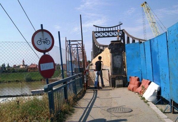 Liber pe podul Traian pentru pietoni Foto: JA