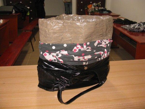 O femeie de 35 de ani a ajuns in arestul Politiei marti seara, dupa ce a fost prinsa ca a furat mai multe bunuri