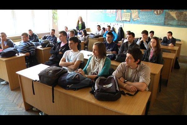 Profesorii din judet sustin introducerea examenului de admitere la facultate