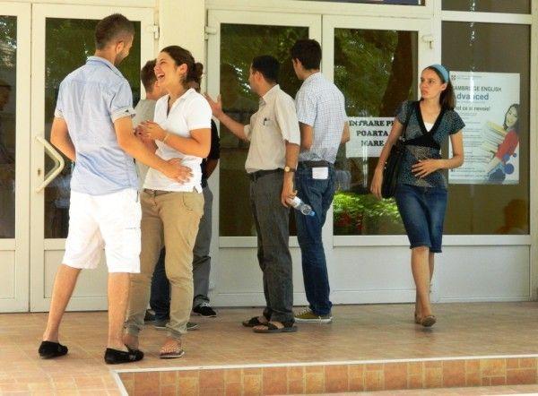 Rezultatele au adus bucurie mai mult absolvenţilor liceelor cu profil teoretic FOTO: JA