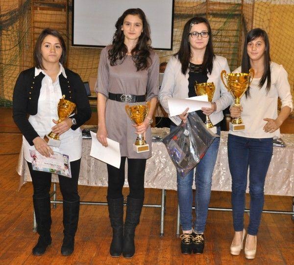 Madalina Pantea, Ligia Grozav, Lorena Podelenczki si Larisa Florian