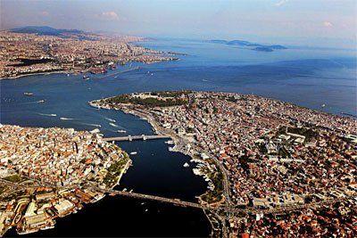 Constantinopol, capitala lui Constantin (acum Istanbul)