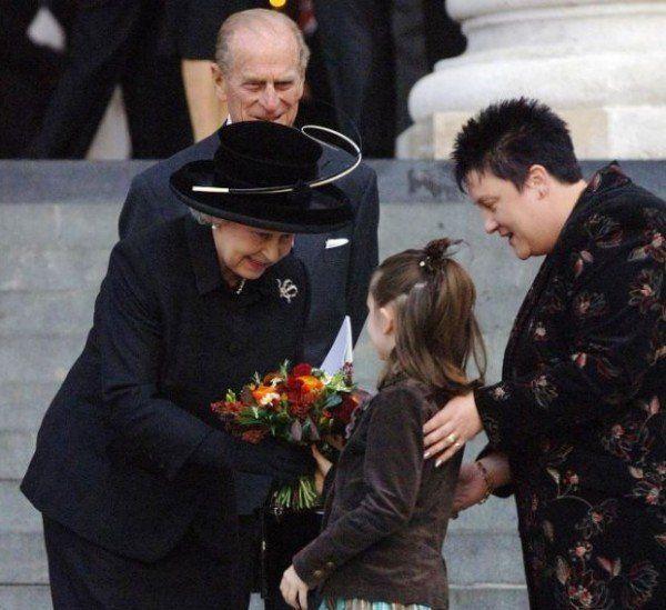 Louise Gray a întâlnit-o pe Regina Marii Britanii, la Catedrala St. Paul, la  comemorarea victimelor atacului