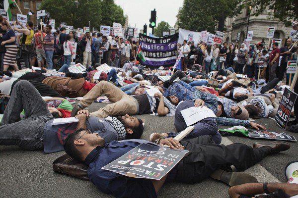 Londonezii vor încheierea acțiunilor militare din Fâșia Gaza