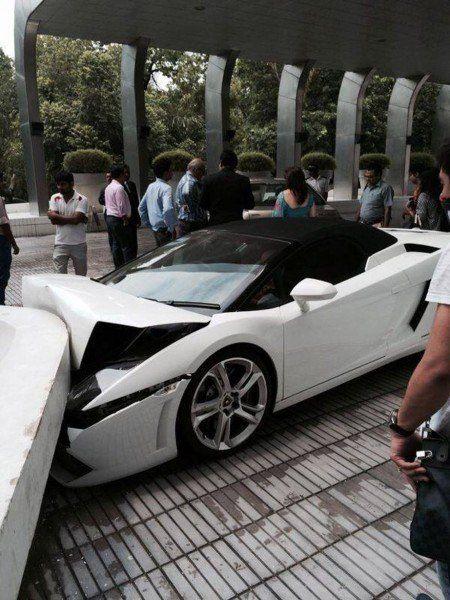 Lamborghini-Crash (1)