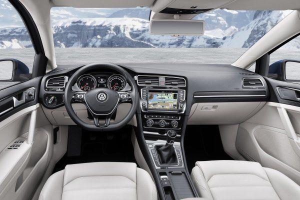 Noul-Volkswagen-Golf-8-va-veni-cu-un-interior-optimizat-fata-de-modelul-actual-in-foto