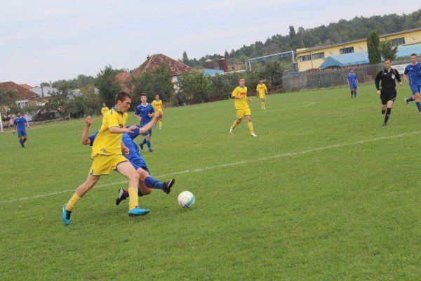 Modan (în galben) e golgheterul echipei