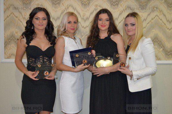 CJA are arbitre model, Gabriela, Mara, Adina şi Ambra