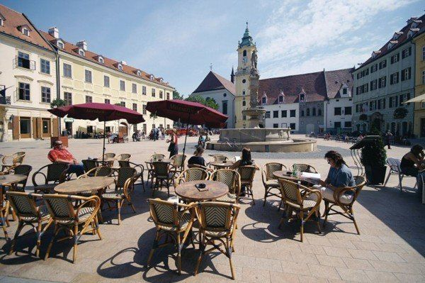 csm_Bratislava_Hlavne_nam_87e407f29f
