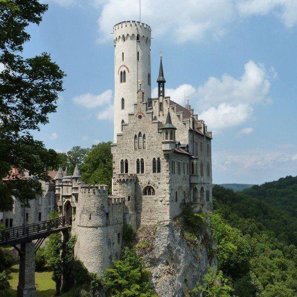 k-lichtenstein-castle81472627