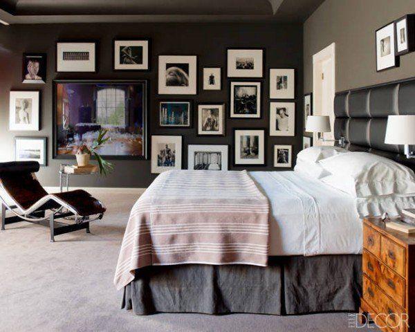 Fotografii pe perete - combinație de negru și alb pentru ca peretele să pară o operă de artă.