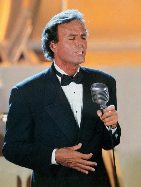 Julio cantando Classic
