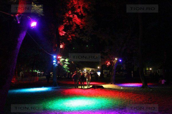 O idee nebuna, un festival nebun - Revolution! (18)