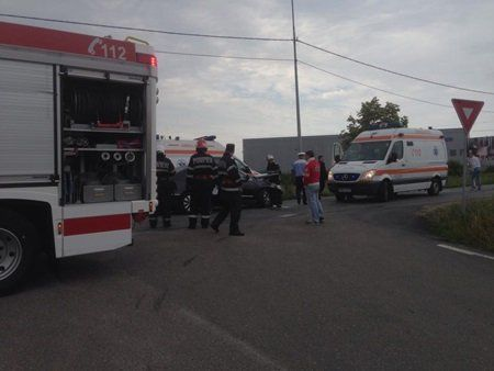 Ambulanta implicata intr-un accident, in apropiere de Aeroportul Timisoara (17)