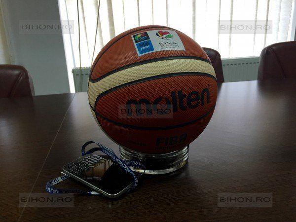 Mingea oficială a Euro Basket Women 2015