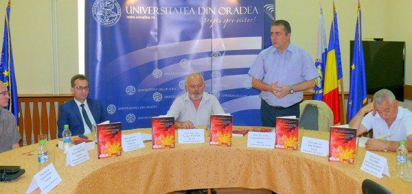 Aspecte de la lansarea de joi a cărţii FOTO: UNIVERSITATEA ORADEA