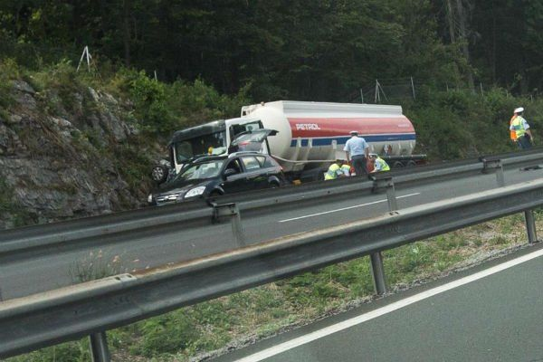 accident_slovenia4