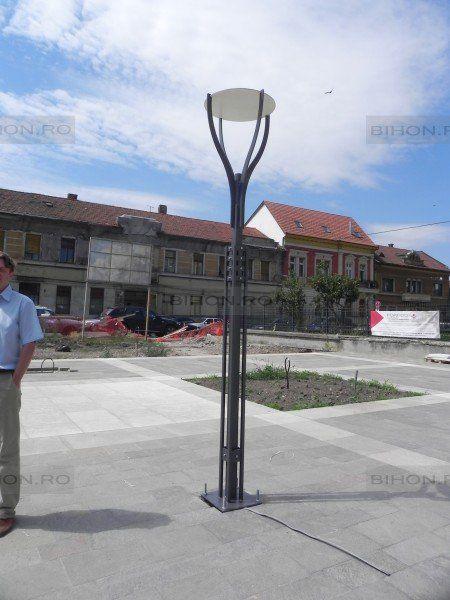 Model de stâlp de iluminat public